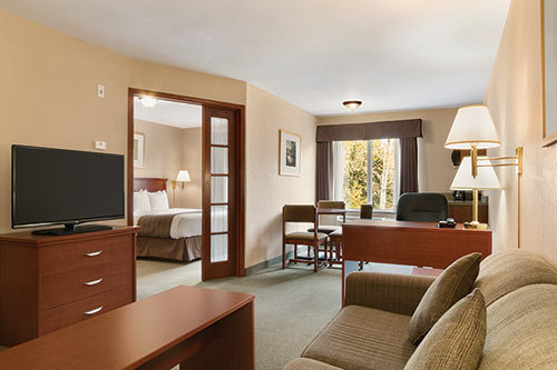 Suite at Days Inn - Thunder Bay North